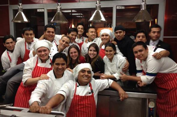 Equipe de cozinheiros do Astrid & Gastón, o melhor restaurante da América Latina.