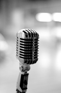 Como aprender a cantar em inglês sozinho