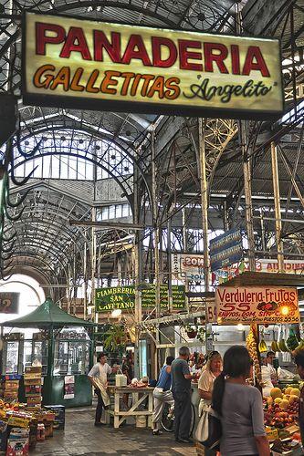 Mercado de San Telmo - Buenos Aires, Argentina.