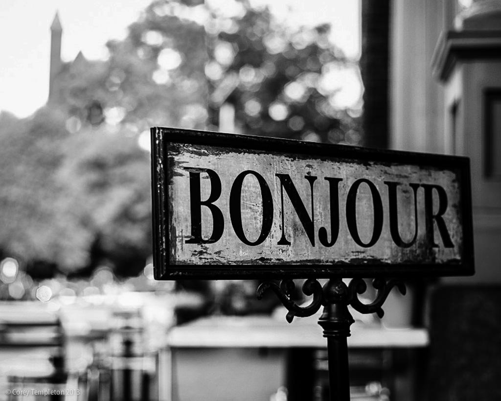 Diferentes formas de fazer uma saudação em Francês